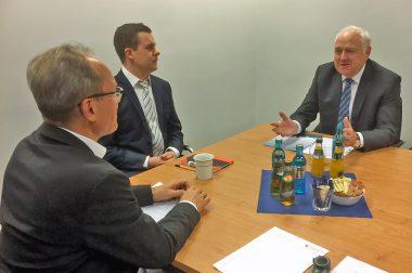 Steuerberaterverbands-Präsident Harald Elster besucht die diz AG
